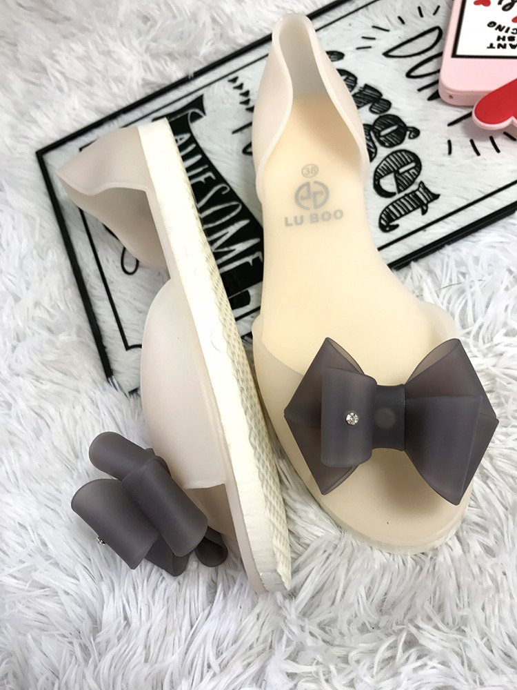 LU BOO AROMATIC WHITE RUBBER SHOES BALLERINA FLATS