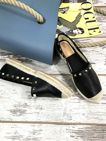 BLACK ESPADRILLES WITH STUDS